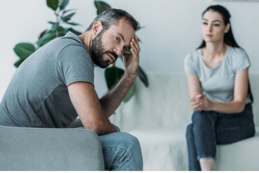 Signs He Doesn't Love You Enough